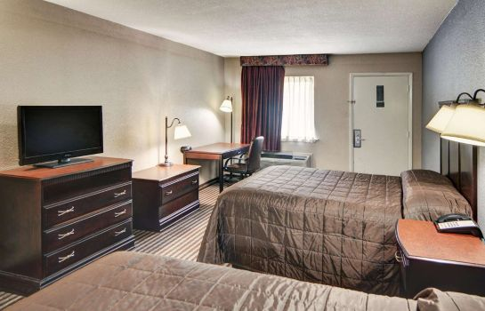 Double room (superior) Rodeway Inn Gainesville I-35
