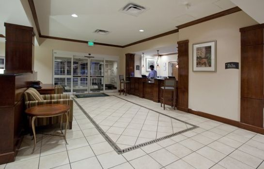 Vestíbulo del hotel Staybridge Suites DENVER INTERNATIONAL AIRPORT