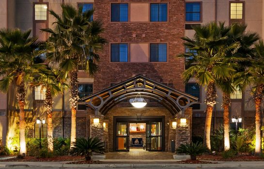 Außenansicht Staybridge Suites NW NEAR SIX FLAGS FIESTA