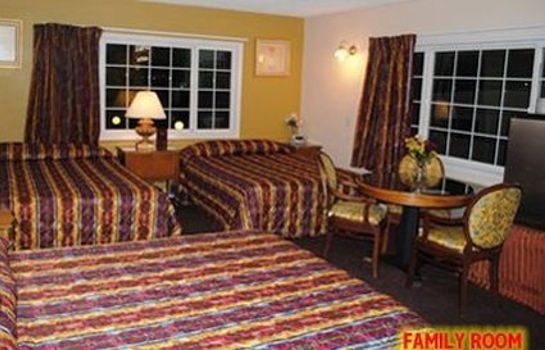 Zimmer TRAVEL INN AND SUITES