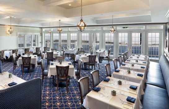 Ristorante Madison Beach Hotel Curio Collection by Hilton