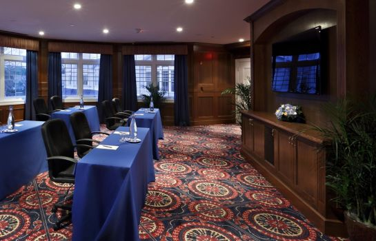 Sala congressi Madison Beach Hotel Curio Collection by Hilton