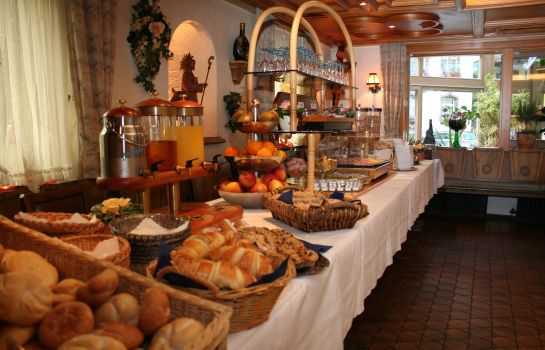 Breakfast buffet Freihof Gasthof
