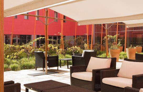 Terrace Radisson Blu Hotel Toulouse Airport