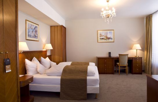 Double room (standard) Ross Hotel