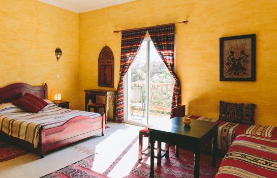 Four-bed room Riad Zahra