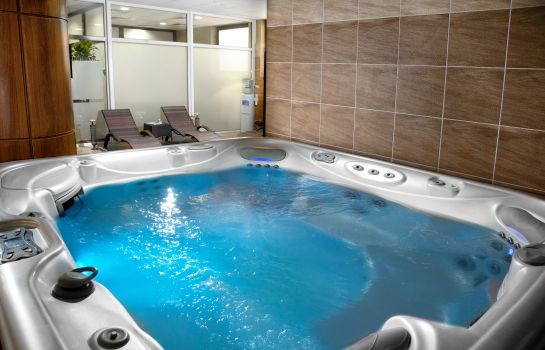 Jaccuzi Grand Royal Hotel