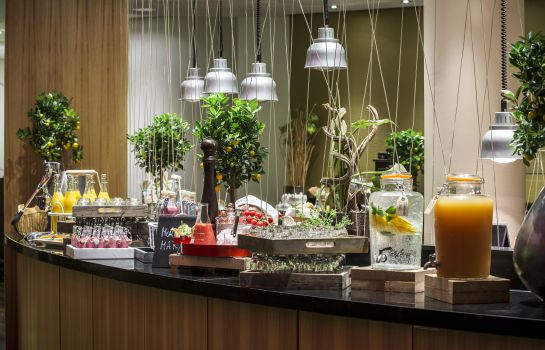 Breakfast buffet RADISSON BLU HAMBURG AIRPORT RADISSON BLU HAMBURG AIRPORT