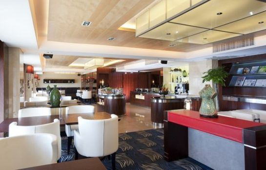 Bar hotelowy Holiday Inn QINGDAO PARKVIEW