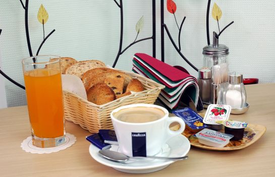 Breakfast buffet Nevsky 3 Guest House