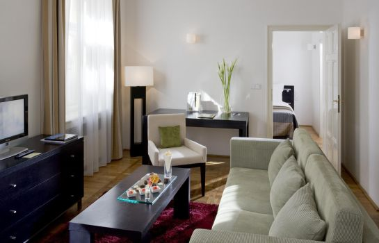Suite Barcelo Old Town