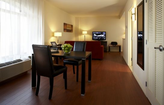 Suite Holiday Inn Express & Suites MONTREAL AIRPORT