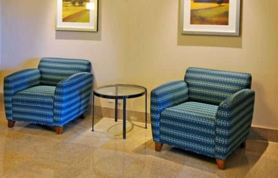 Hotelhalle Holiday Inn Express & Suites OTTAWA AIRPORT