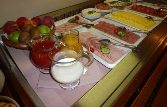 Breakfast buffet Alt Karow