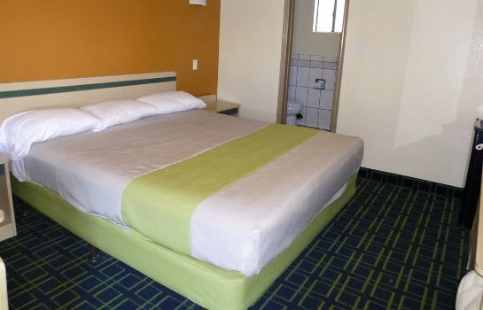 chambre standard Economy Inn Hollywood