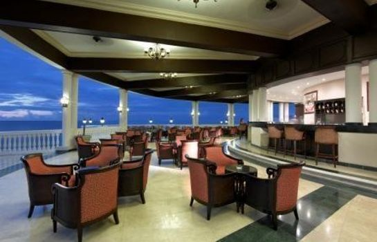 Hotel bar Grand Palladium Jamaica Resort & Spa All Inclusive