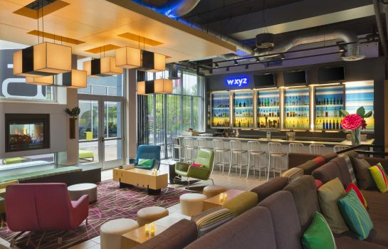 Hotel-Bar Aloft Portland Airport at Cascade Station