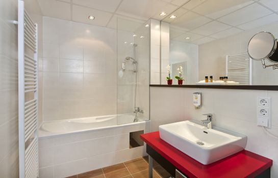 Bathroom Best Western Plus Amedia Graz