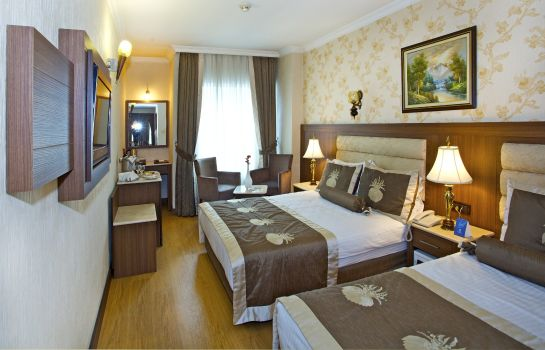 Triple room Grand Hilarium