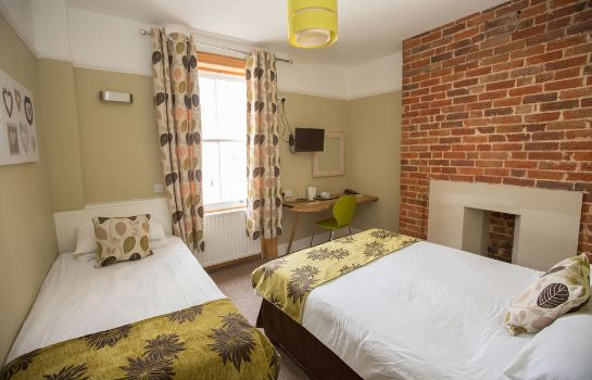 Standardzimmer Cecil House Hotel