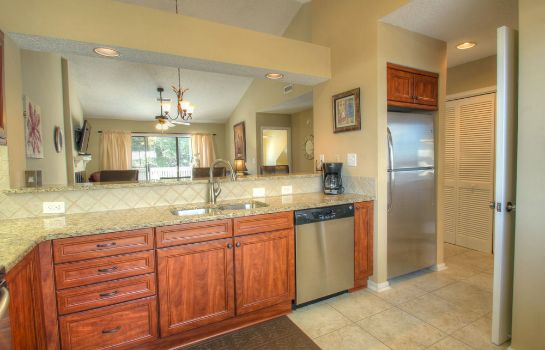Cucina in camera Palmetto Vacation Rentals