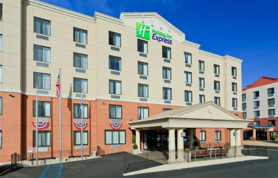 Exterior view Holiday Inn Express STATEN ISLAND WEST