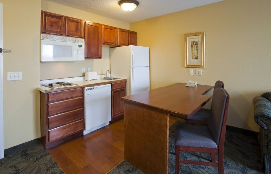 Room GRANDSTAY RESIDENTIAL SUITES MADISON