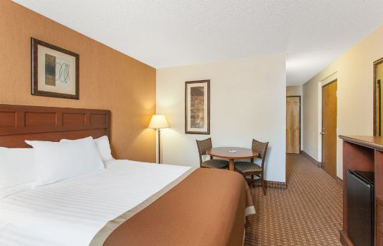 Standard room Baymont Inn and Suites Branson - on The Strip