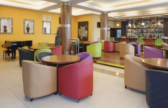 Hotel bar Holiday Inn ACCRA AIRPORT