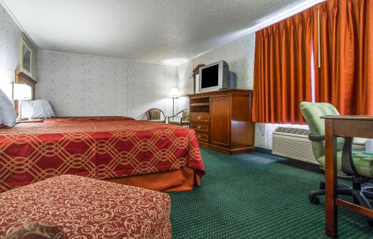 Camera Rodeway Inn and Suites