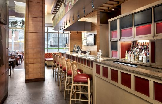 Restaurant DoubleTree by Hilton New York - Times Square South