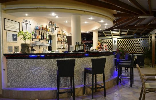 Bar del hotel Konstantina Apartments