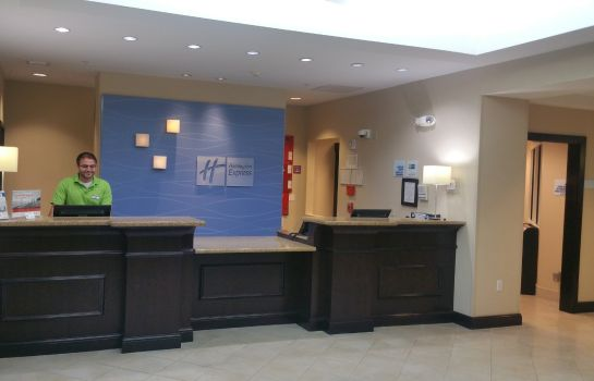 Vestíbulo del hotel Holiday Inn Express & Suites FT MYERS EAST- THE FORUM