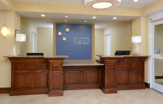 Hotelhalle Holiday Inn Express & Suites GREENSBORO - AIRPORT AREA