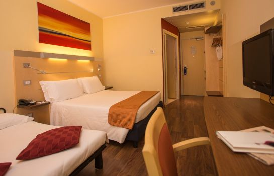 Zimmer Holiday Inn Express MILAN - MALPENSA AIRPORT