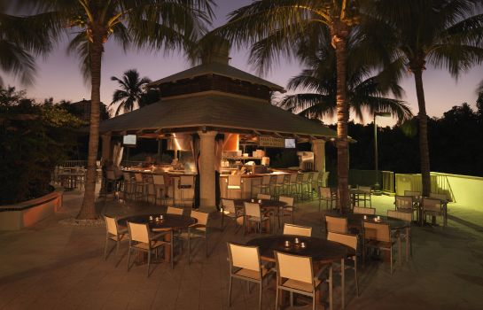 Hotel-Bar Naples Grande Beach Resort