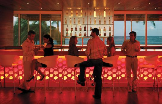 Hotel bar The Condado Plaza Hilton