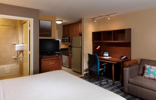Zimmer TownePlace Suites Houston Intercontinental Airport