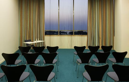 Meeting room Symphony Style Kuwait A Radisson Collection Hotel Symphony Style Kuwait A Radisson Collection Hotel