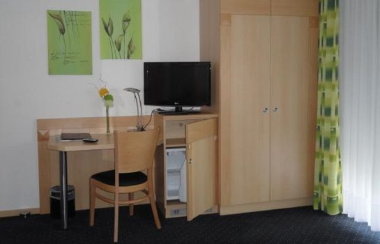 Chambre individuelle (standard) EVA Pension