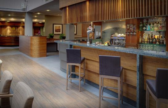 Hotel bar DoubleTree by Hilton Aberdeen City Centre