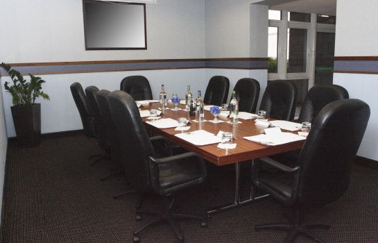 Conference room DoubleTree by Hilton Aberdeen City Centre