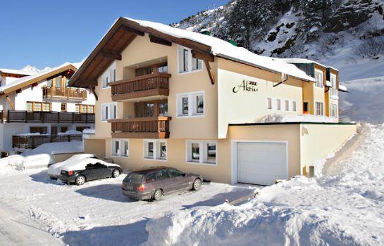 Exterior View Haus Aktiv U0026 Dependance Villa Alpin Pension