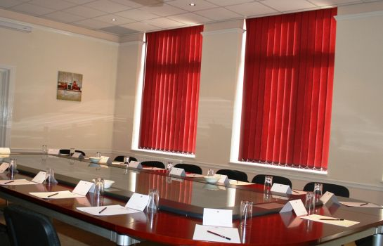 Meeting room Thurrock Hotel
