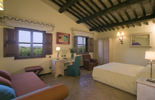 Four-bed room Sovana Hotel & Resort