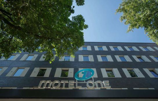 Buitenaanzicht Motel One Airport