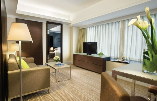 Junior Suite Harbour Plaza 8 Degrees