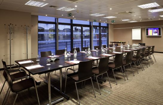 Meeting room ibis Styles London Southwark Rose