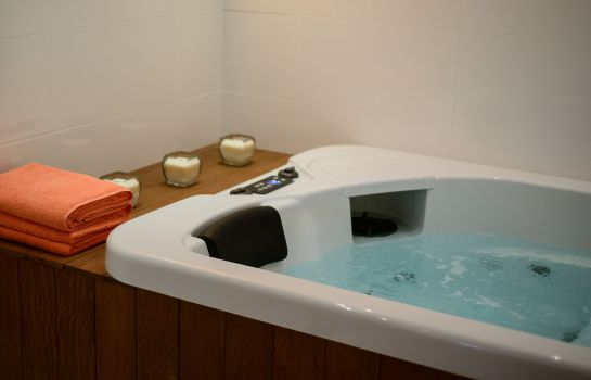 Whirlpool Amber SPA Boutique Hotel