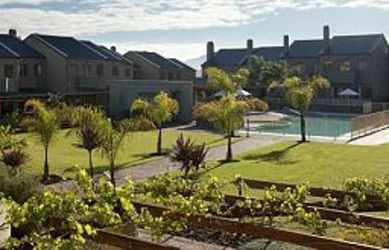 Exterior view Devonvale Golf & Wine Estate